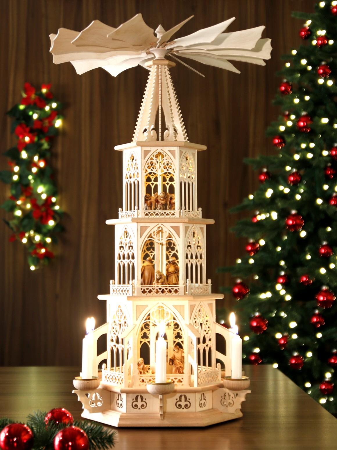 original weihnachtspyramiden aus dem erzgebirge gotische pyramide christi geburt mit kerzen. Black Bedroom Furniture Sets. Home Design Ideas