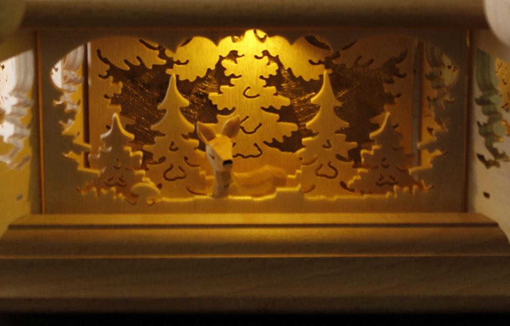 tilgner weihnachtspyramide waldmotiv 77cm mod j ger waldleute teelicht kerze. Black Bedroom Furniture Sets. Home Design Ideas