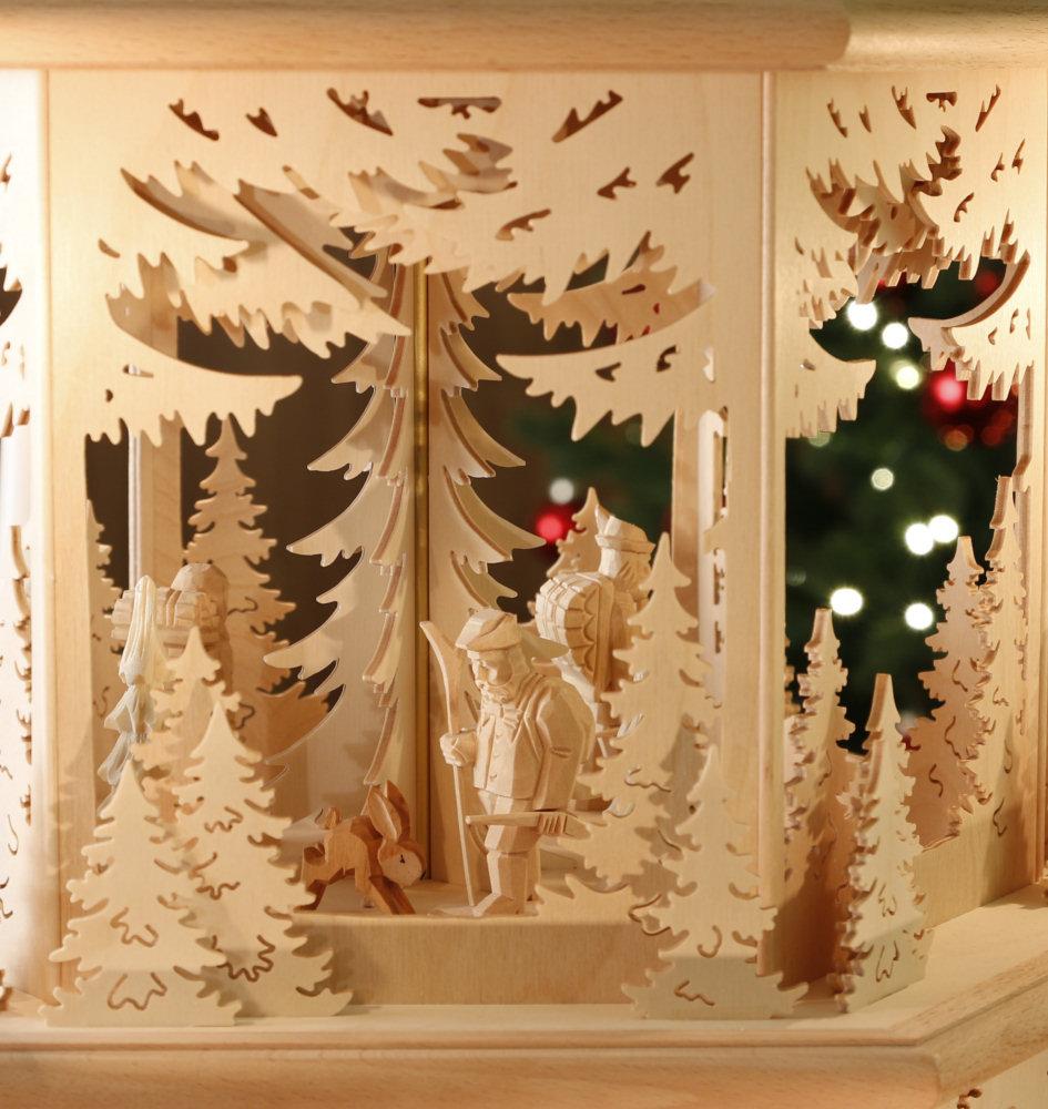 original weihnachtspyramiden aus dem erzgebirge waldidyll modell j ger waldleute mit kerzen. Black Bedroom Furniture Sets. Home Design Ideas
